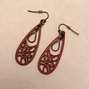 Jewelry - Cut out teardrop earrings